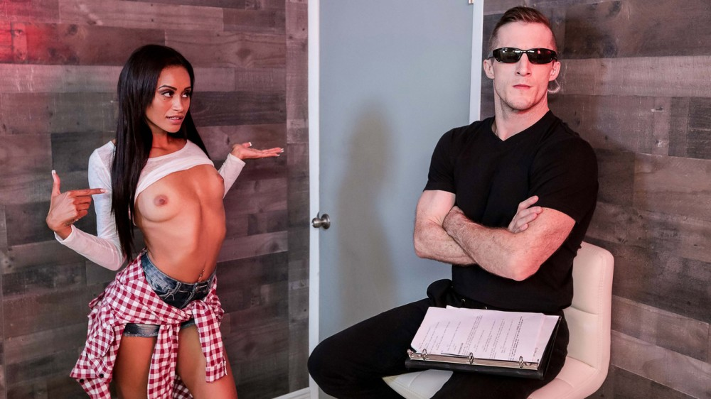 DigitalPlayground – Gia Vendetti – Boinking The Bouncer