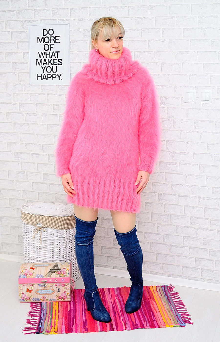 72772495_flamingo-fluffy-handmade-1.jpg