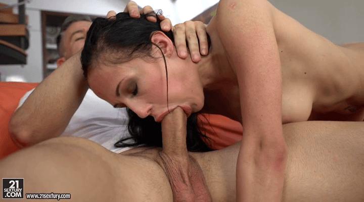 GapeLand – Nicole Love  – Filling Her Rectum With Cock