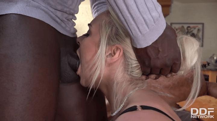 OnlyBlowJob – Victoria Summers