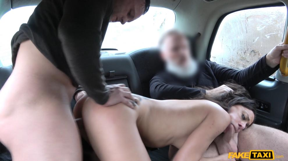 FakeTaxi – Hot wife sharing taxi threesome – Cassie Del Isla