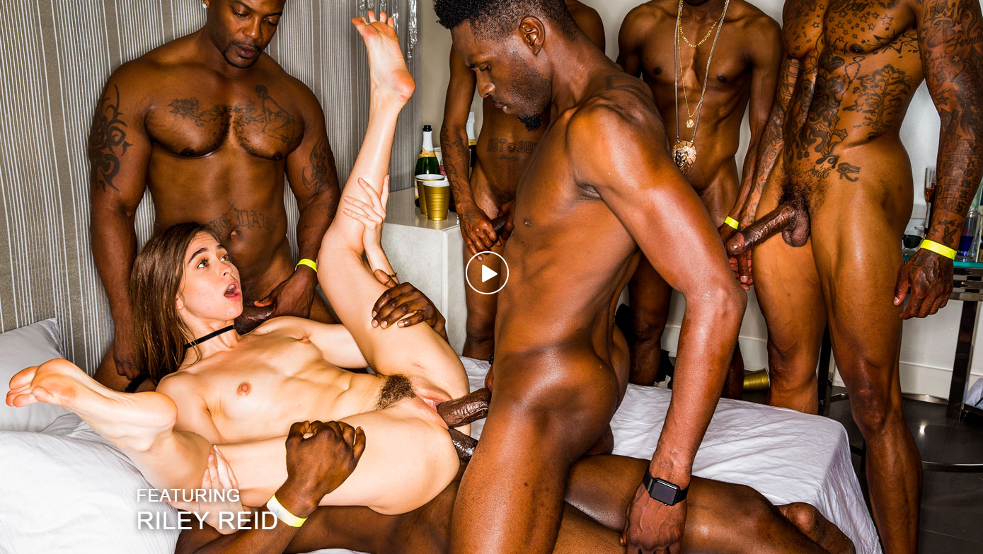 BlackedRaw – Girlfriend Gangbang At The After Party – Riley Reid