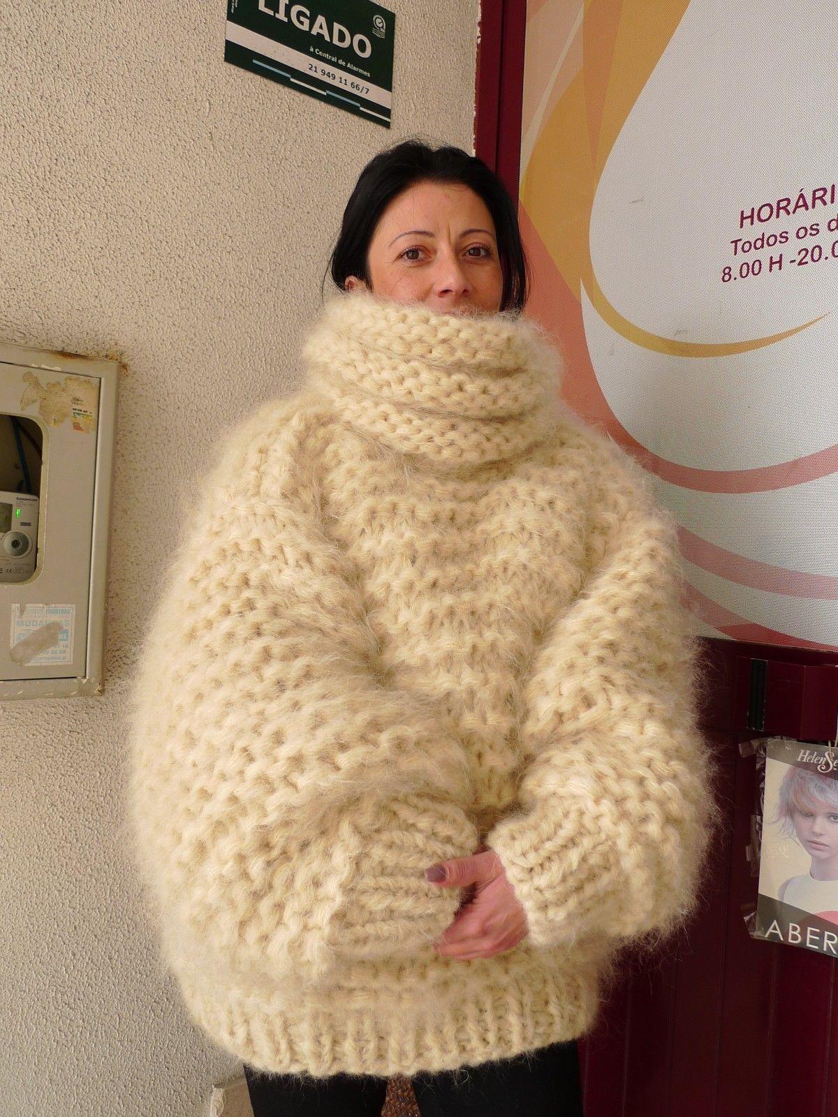 74246653_ivory-longhair-mohair-sweater-extra-chunky-3.jpg