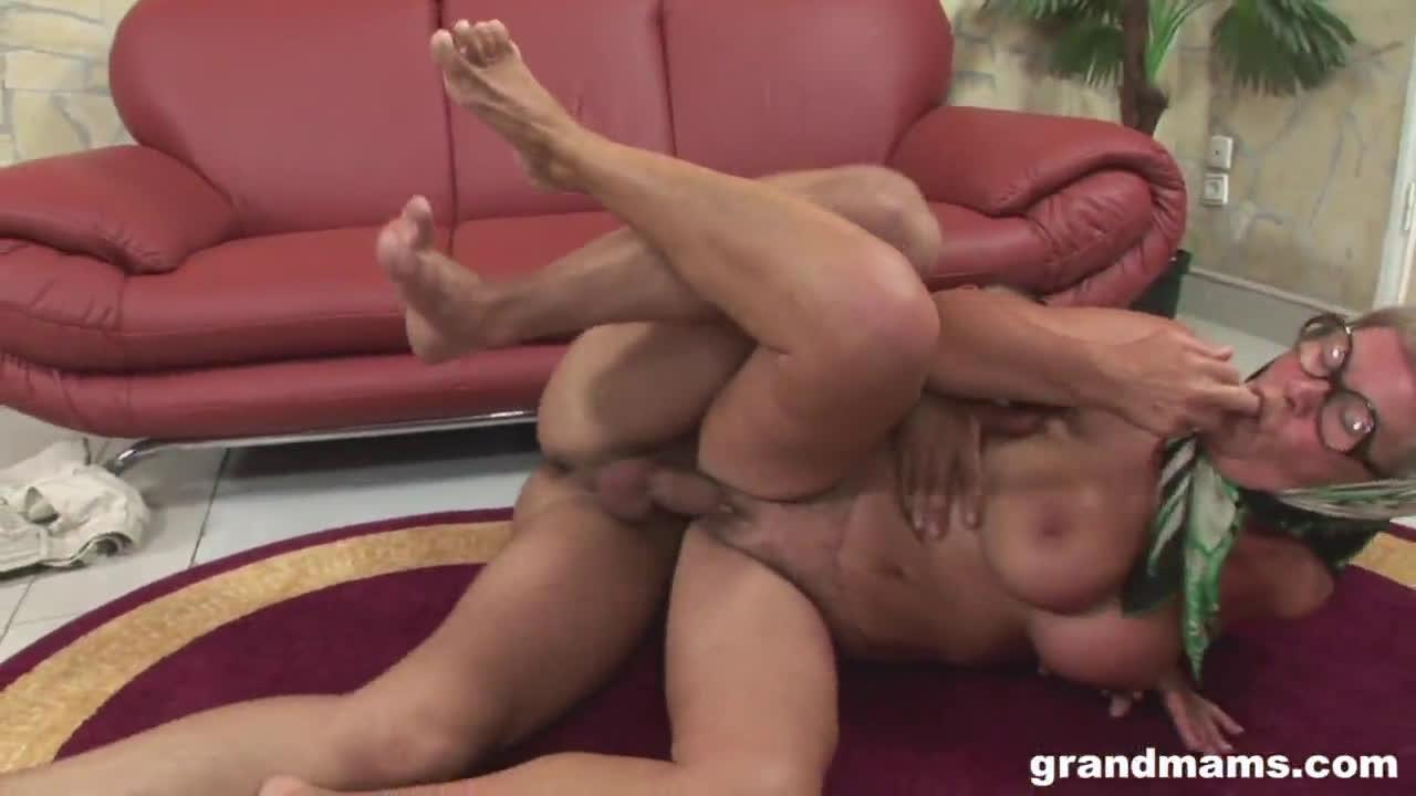 GrandMams – This Old Lady Loves The Taste Of Cum