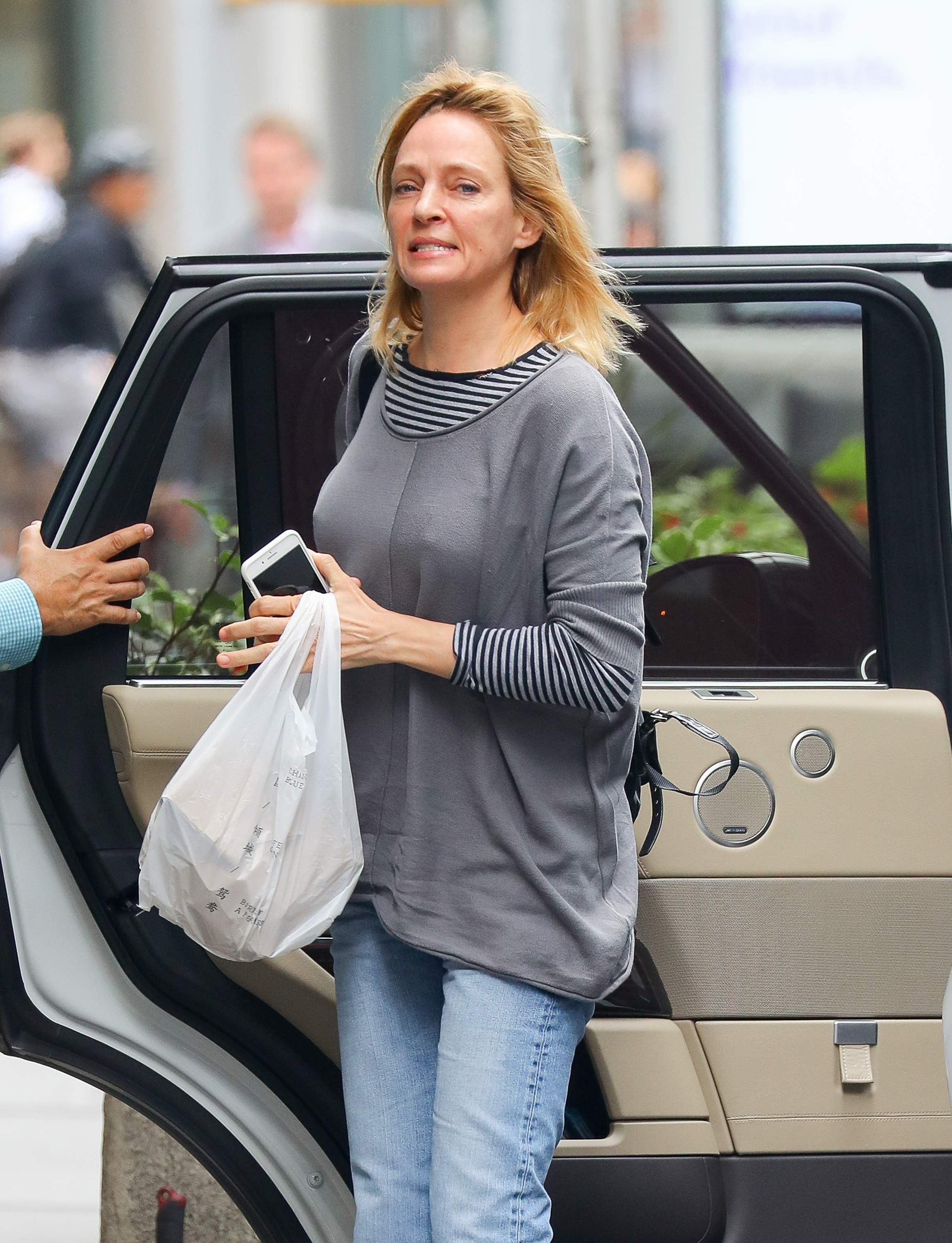 Uma Thurman out and about in New York City June 6-2018 (Hard nipple : pokies)